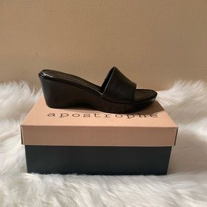 "Apostrophe Size 6 Black Wedges Leather Heel 2.5"""